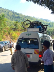Skipping parts of road nr. 8 to Dawei